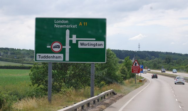 Roadsign for the Tuddenham and Worlington turn offs, A11