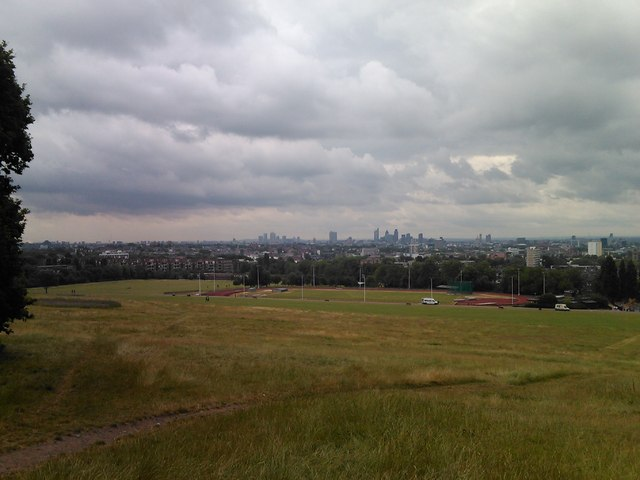 Complete view of the panorama of London from Parliament Hill