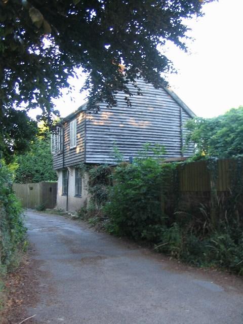 Lane by Fordwich church
