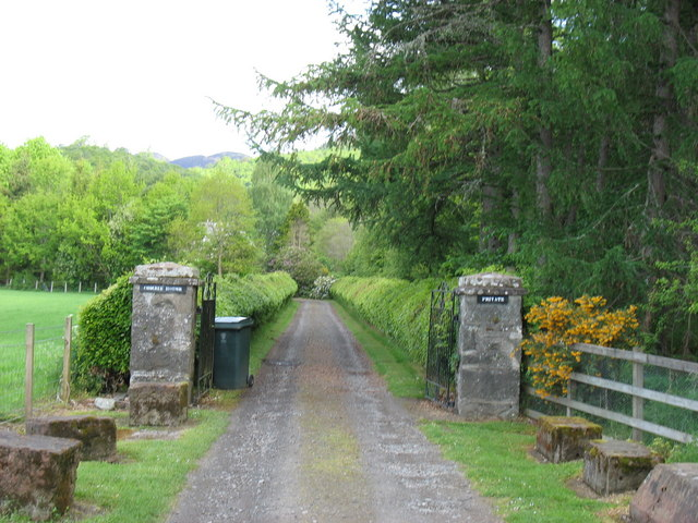 Entrance to Comrie House