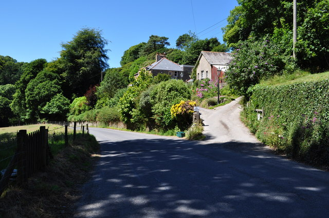 The road descending into Lee passes Ivy Bank and Woodstock