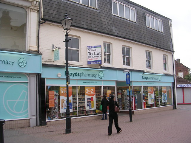 Lloyds pharmacy - High Street