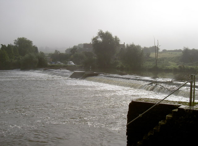 Saltford weir in September mist