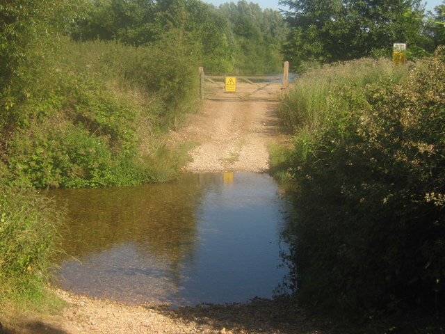 Track to a fishing lake near the river david anstiss for Nearest fishing lake