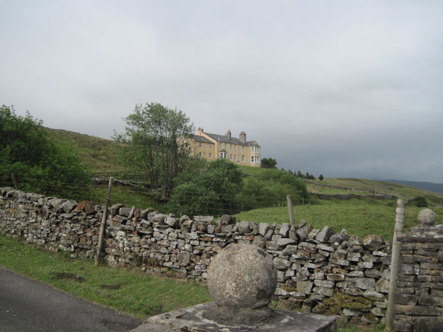 Moorland Cottage from A684