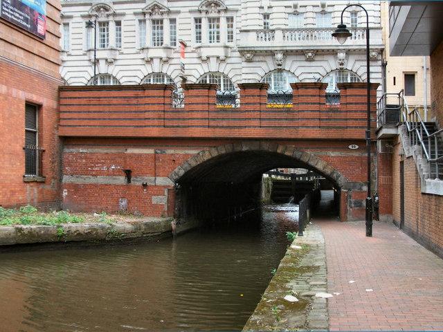 Rochdale Canal, Bridge 98