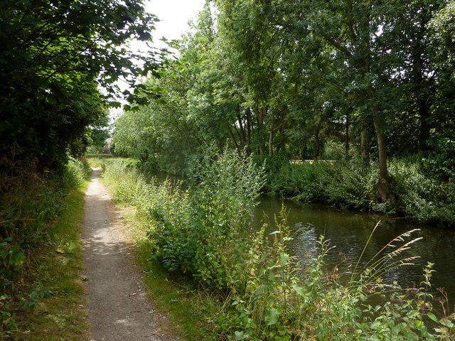 Canal beside Retford cemetery