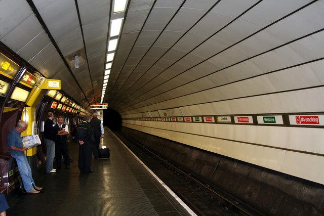 Liverpool Lime Street Station:  Wirral line underground platform