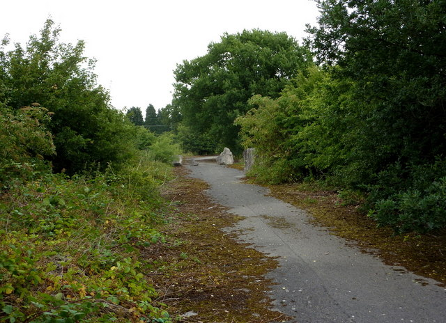 Footpath along former quarry road
