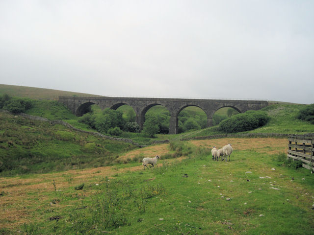 Lunds Viaduct from B6289