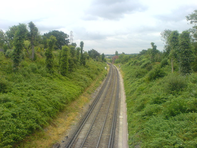 Railway cutting viewed from footbridge east of Albany Park Station