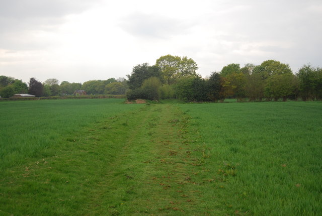Sussex Ouse Valley Way heading to Scatnes Hill