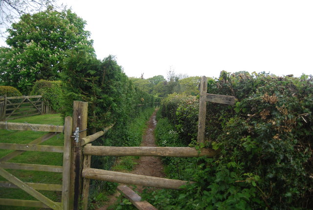 Sussex Ouse Valley Way near Nash Farm