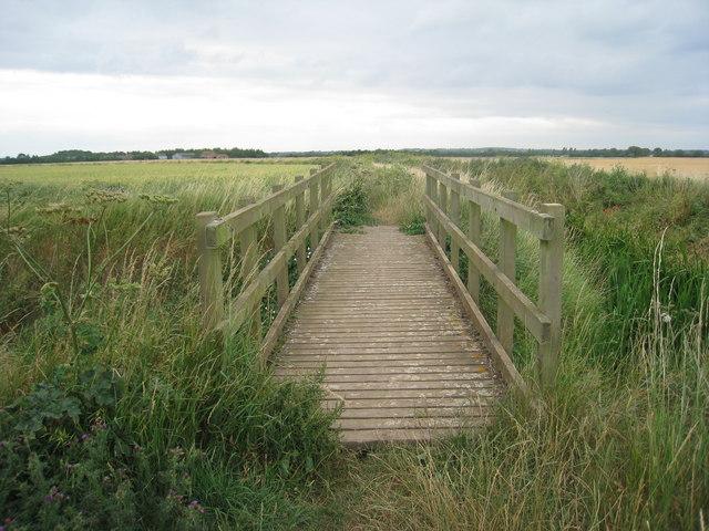 Footbridge across the Counterdike Drain (Old River Ancholme)