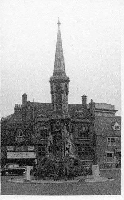 Banbury Cross 1954