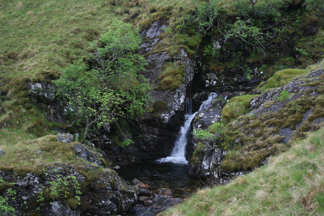 Small waterfall in Coire Uaine