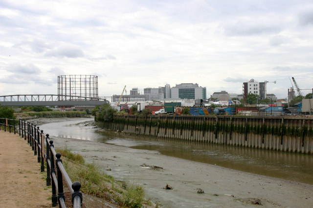 Bow Creek south of Bromley-by-Bow