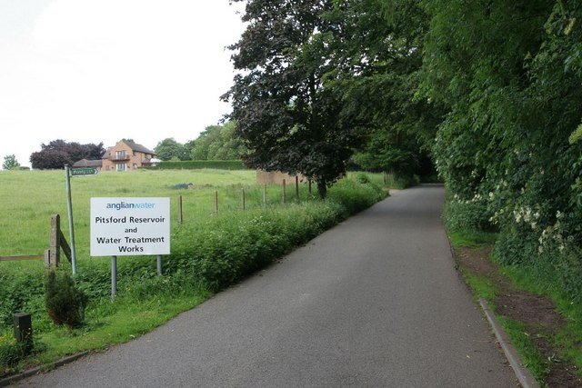 Lane to Pitsford Reservoir