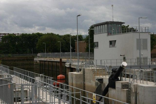 Three Mills Lock (east side)
