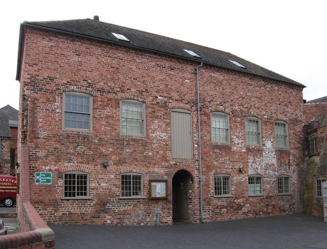 Swadlincote - Sharpes Pottery yard
