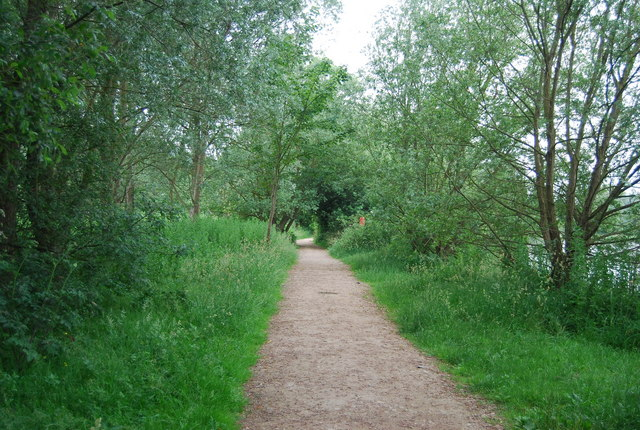 Footpath around university Broad