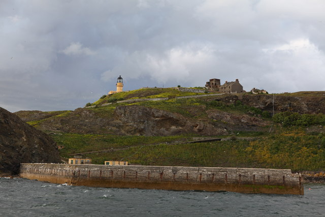 Inchkeith Lighthouse and breakwater