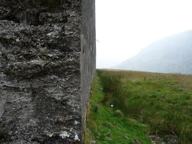 The dam wall, Llyn Eigiau reservoir