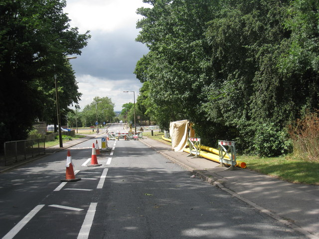 Installing new gas main, Ferry Road