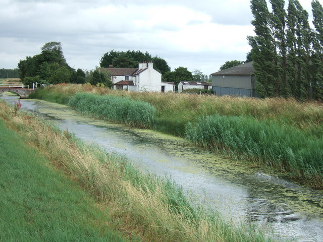 Drain near Gravel Bank Farm