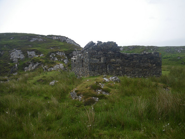 Ruined smithy along the Uisken road