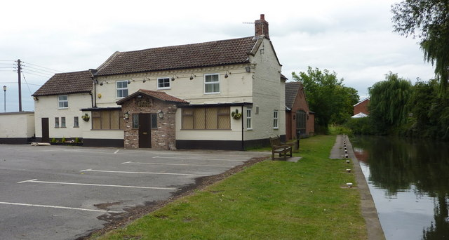 The Gate Inn by the canal
