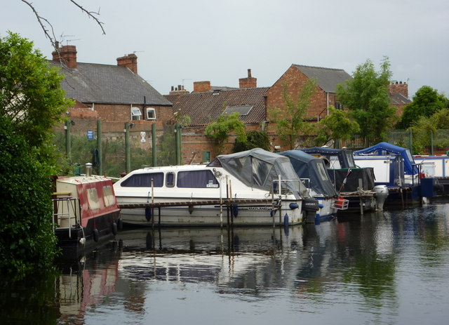 Canal in Retford west of the Carolgate bridge