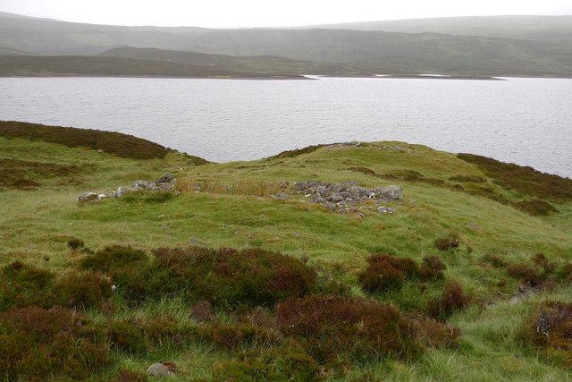 Remains of old shielings at Ruighe nan Saorach