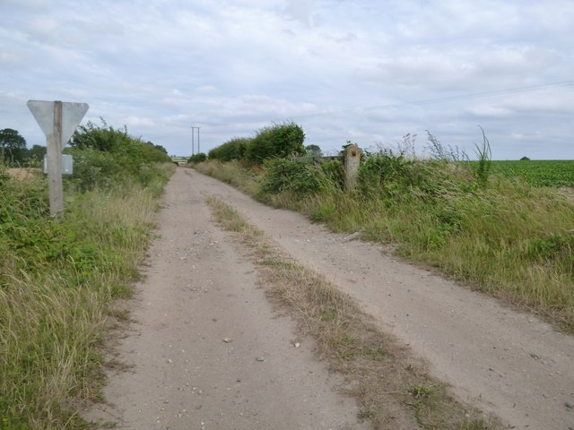 Access track by the Wells and Walsingham Light Railway
