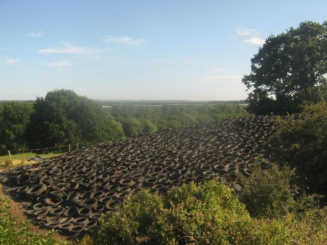 Tyre mound near Stodmarsh Road