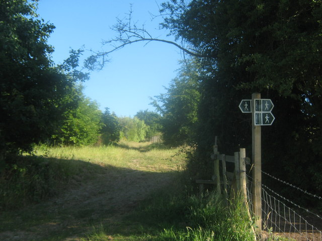 Footpath junction on a stile near Fordwich