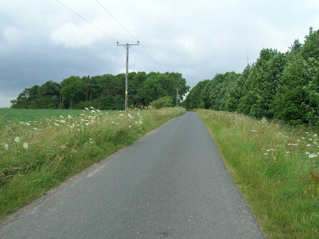 High Street heading west beside Beacon Wood