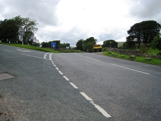 Road junction near Pike Hill