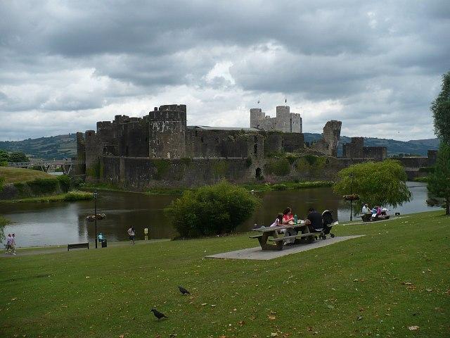 Picnics by the castle