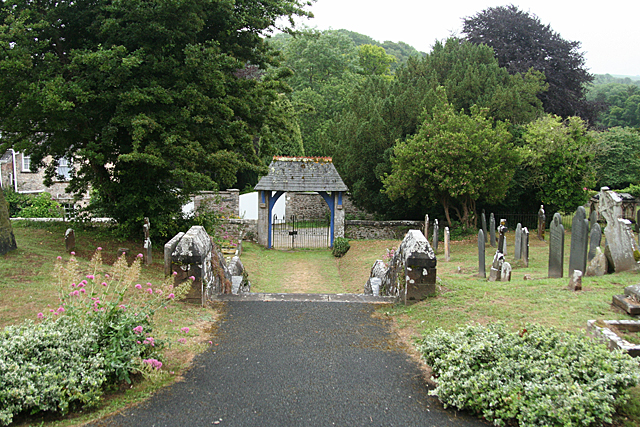 Yealmpton: towards the lych gate
