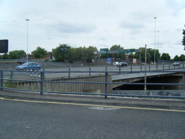 Scotland Road crosses the Kingsway tunnel approach