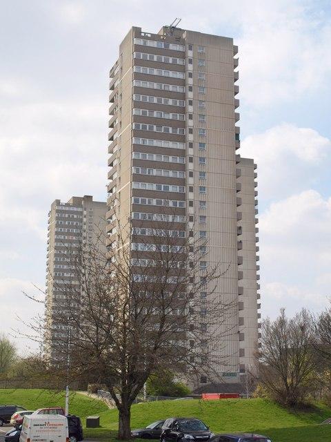 High Rise Flats Brentford 169 Derek Harper Cc By Sa 2 0