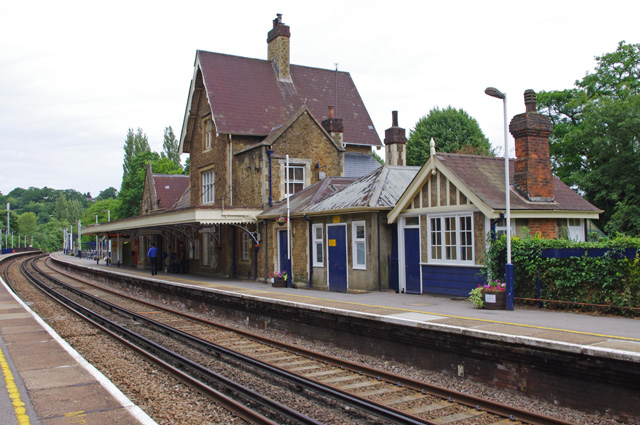Find A Gas Station >> Godalming station © Ian Taylor cc-by-sa/2.0 :: Geograph ...