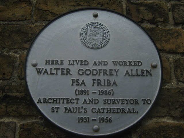 Godfrey Allen Plaque on Cottage on Priory Row