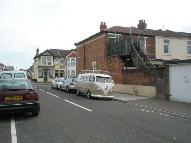 Approaching a VW Camper Van in Kensington Road