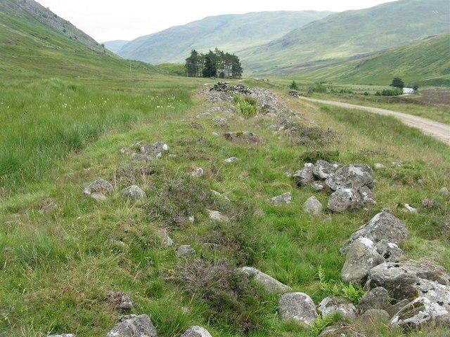 Clach na Tiompan cairn in Glen Almond