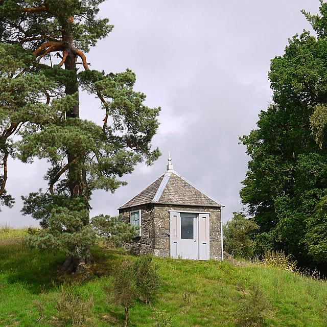 Earthquake House, Comrie