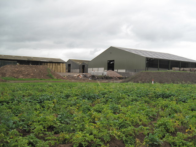Farm Buildings near Guilden Sutton