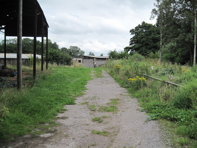 Footpath to Railway
