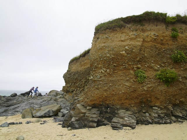 Structure of the cliff at Porthmeor Beach